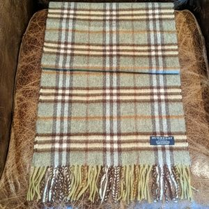 NWOT Burberry Green/Brown 100% Cashmere Scarf